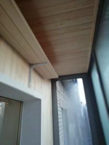 полка на балконе