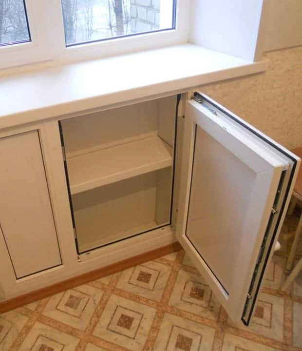 холодильник под окно